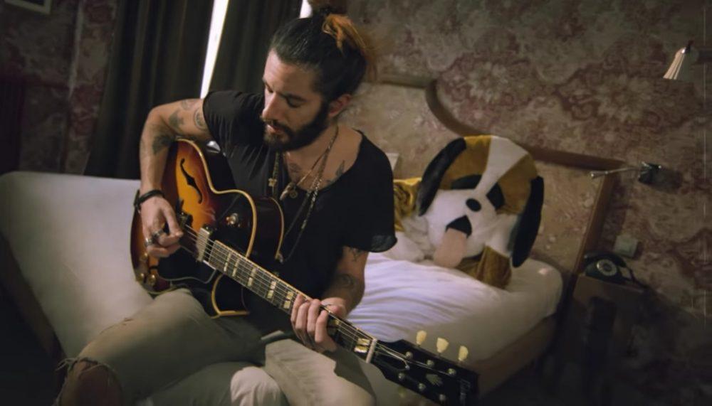 """Capture d'écran du clip """"Hotel Room"""", Waxx YouTube"""